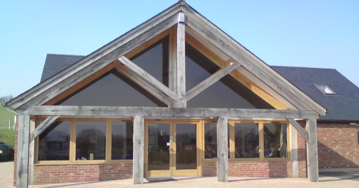 Veterinary Surgery with Oak Beam Frontage